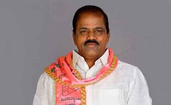 Contraversial On TRS MLA Bhupal Reddy Birthday Celebrations - Sakshi