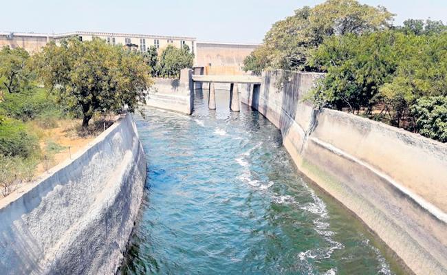 Two TMCs to Sagar right canal - Sakshi