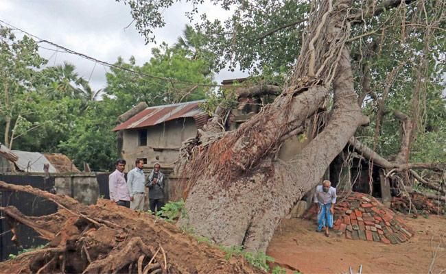 Bengal Angered By Attitude of National Media - Sakshi