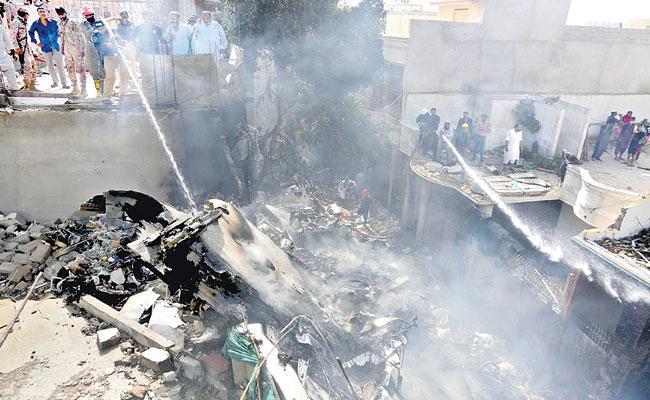 Pakistan International Airlines Plane Crashes in Karachi - Sakshi