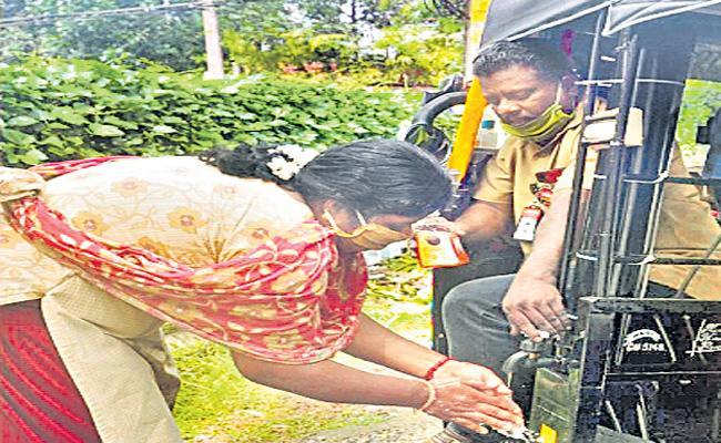 Suresh Made A New Innovative Of Hand Wash At Kerala - Sakshi