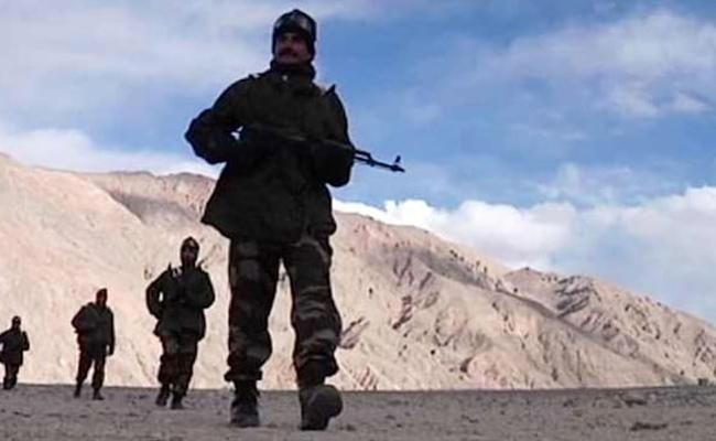Indian Jawans Detained By China In Ladakh - Sakshi