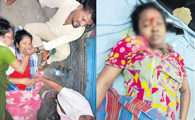Two Women Passed Away Due To Treatment Fails At Sircilla - Sakshi