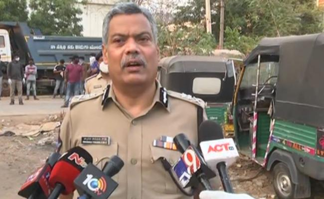 Seized Vehicles Are Being Returned To The Owners Without Cases In AP - Sakshi