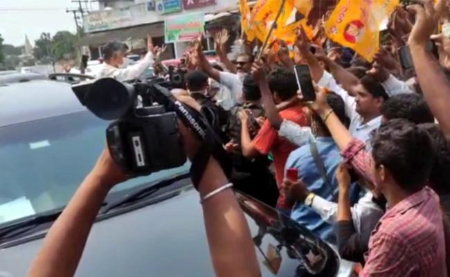 TDP Leader Violates Lockdown Guidelines While Chandrababu Enters Into AP - Sakshi