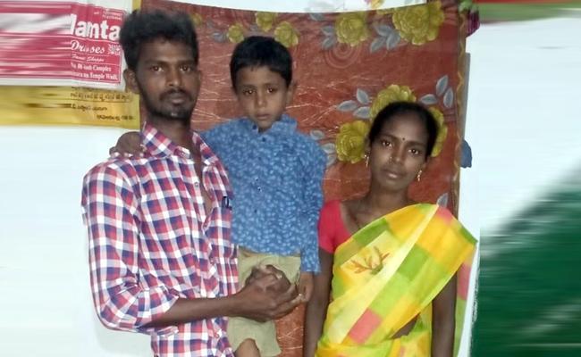 Five Years Boy Suffering With Heart Disease Waiting For help Kurnool - Sakshi