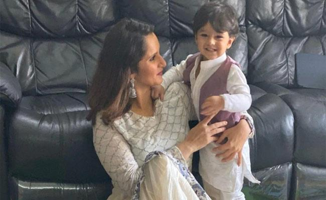 Sania Mirza Posts Adorable Photo In Twitter With Son Izhaan On Ramzan Festival - Sakshi