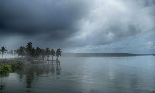 IMD Says Monsoon Likely To Hit Kerala On June 1 - Sakshi