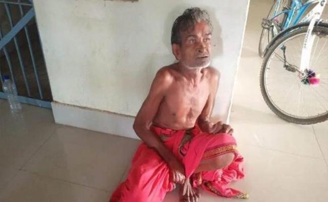 Odisha Priest Chops Off Mans Head Inside Temple To Ward Off Coronavirus - Sakshi