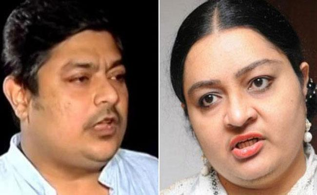 Deepa And Deepak Both Are Jayalalithaa Descendants Of Assets - Sakshi