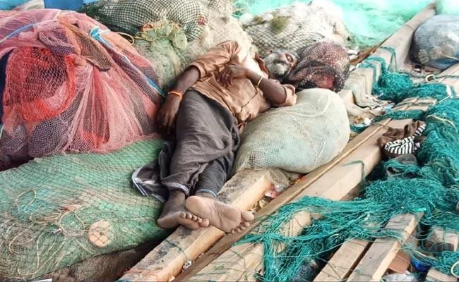 Fishermans Stuck In Andaman And Nicobar Islands - Sakshi