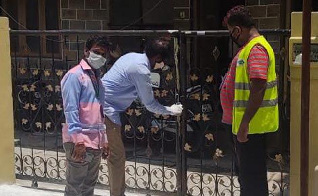 GHMC Officials Making House Arrest For Coronavirus Positive Cases - Sakshi