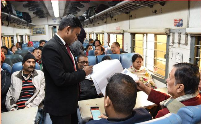 Indian Railway changes dress of Train Ticket Examiners - Sakshi
