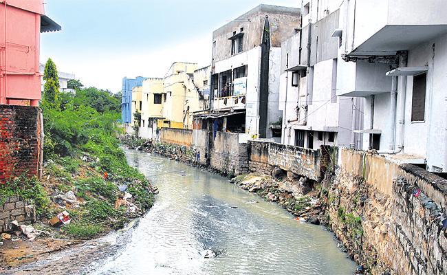 GHMC Fail in Drainage System Control in Rainy Season - Sakshi