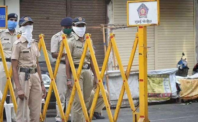 Coronavirus 114 More Maharashtra Police Reported Positive - Sakshi