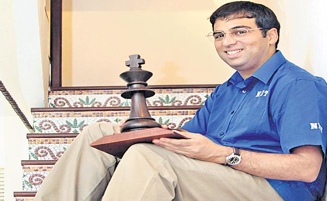 Viswanathan Anand Came To India After Three Months - Sakshi