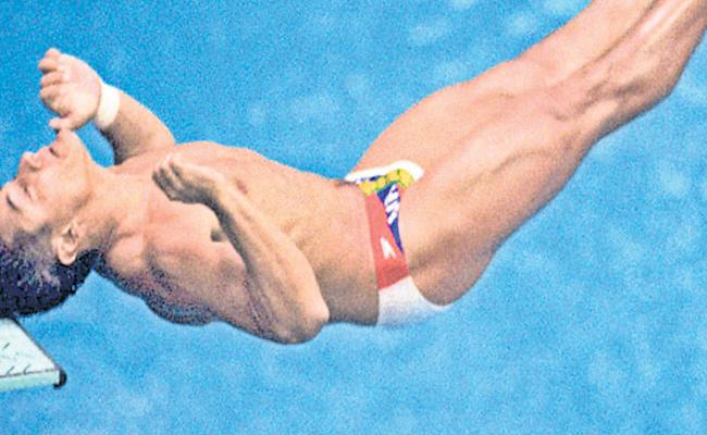 Special Story About Diver Louganis - Sakshi