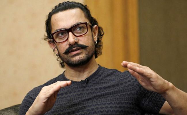 Aamir Khan: Am Not Hid Money In Wheat Bags Blames Robin Hood Instead - Sakshi
