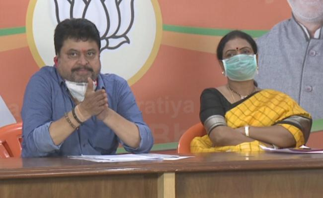 MLC Ramachandra Rao Slams On KCR Over Corona Virus Testing In Hyderabad - Sakshi