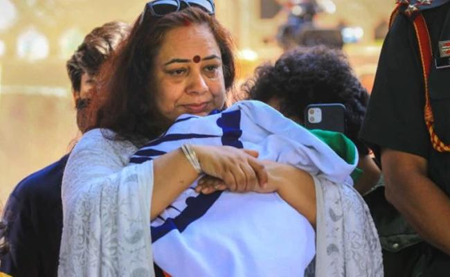 We Want To Join Army: Slain Colonel Ashutosh Sharma Wife - Sakshi