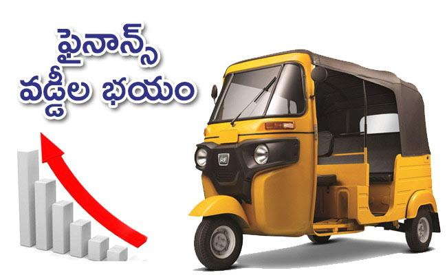 Auto Drivers Loss With Lockdown in Warangal - Sakshi
