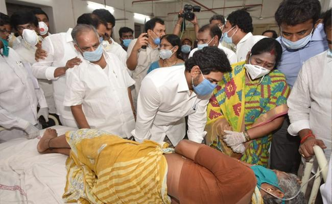 AP Govt Has Issued Orders Ex Gratia For Visakha Gas Leak Victims - Sakshi