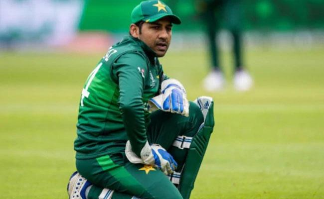 Sarfaraz Ahmed Set To Be Demoted In PCB's Contracts List - Sakshi