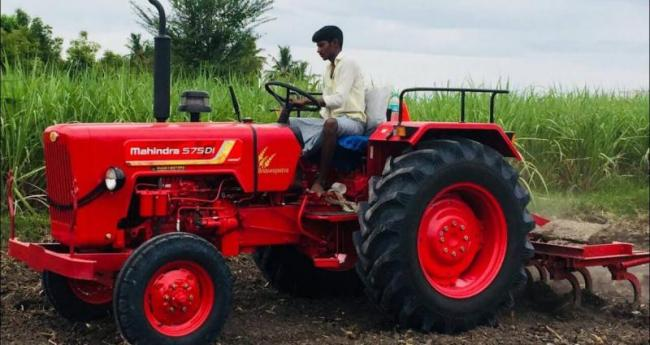 M&M tractor sales fall 1 pc in May - Sakshi