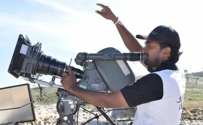 Movie shootings Resume In Maharashtra - Sakshi