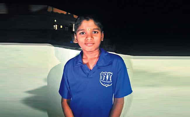 Boy Escape From Home in Medak - Sakshi