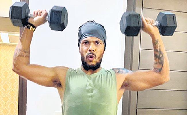 I Mainly Focus On Strength Training Says Umesh Yadav - Sakshi