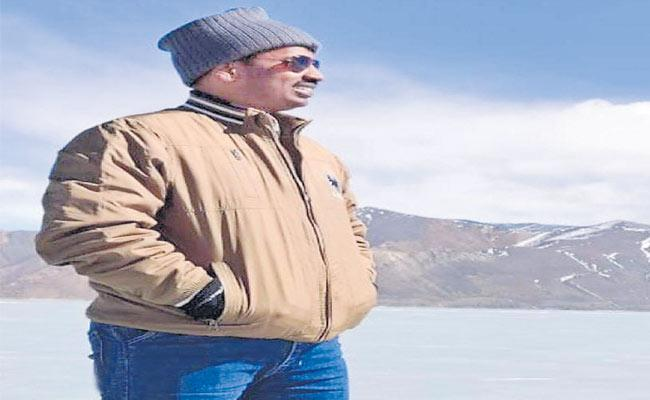 Telangana Colonel Santosh Lifeless In India China Clashes - Sakshi