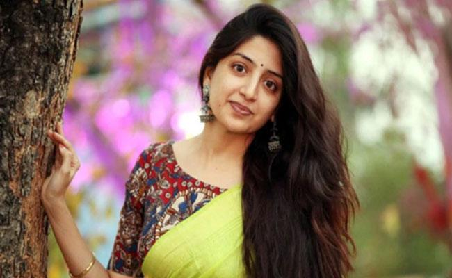 Poonam Kaur On Telugu Director Who pushed her Into Depression - Sakshi