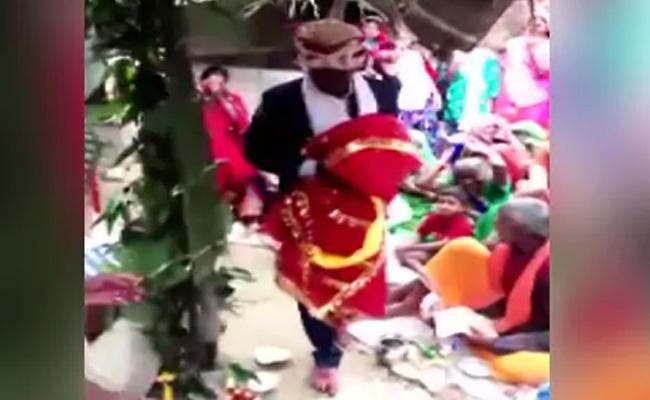 UP Man Marries Wooden Effigy On 90 Year Old Father Last Wish - Sakshi