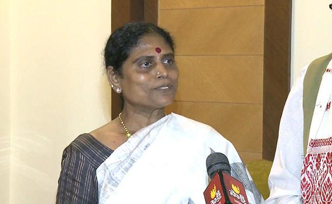 YS Vijayamma Launch Prathi Kshanam Praja Hitham - Sakshi
