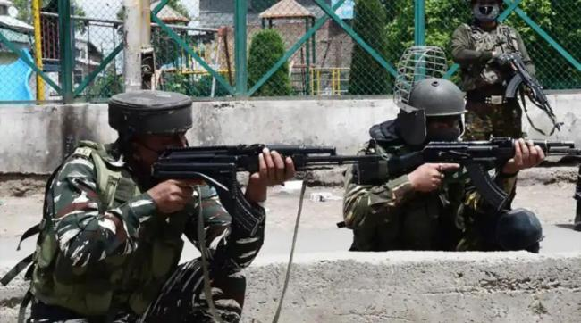 Two Terrorists Killed in Encounter in Awantipora - Sakshi