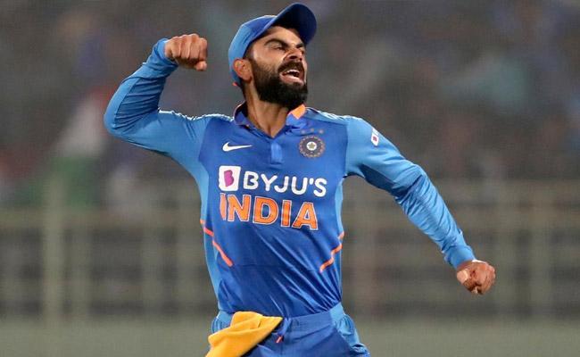Steve Smith Was All Praise For Team India Captain Virat Kohli - Sakshi