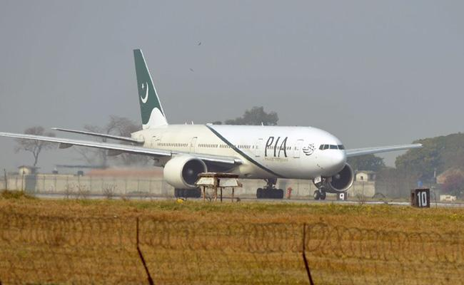 One In Three Pilots In Pakistan Have Fake Licence - Sakshi