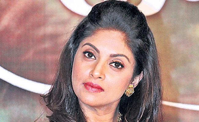 Nadiya in Nithiin Power Peta - Sakshi