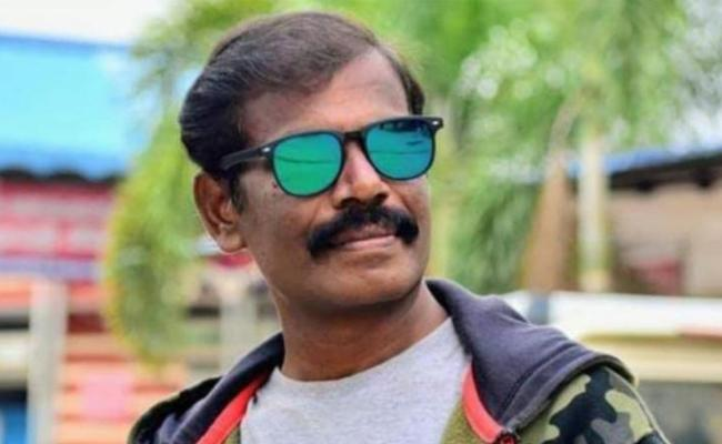 COVID19 :TN video journalist Vel Murugan succumbs in Chennai - Sakshi
