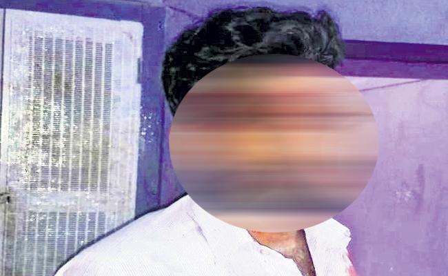 TDP People attack on Coordinator - Sakshi