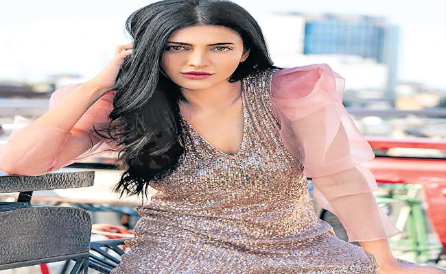 Those Birthmarks Are So Special For Me Says Shruti Hassan - Sakshi