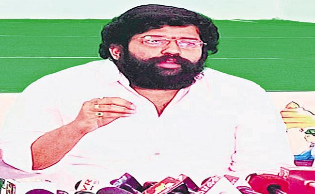 Jakkampudi Raja Fires On Pawan Kalyan - Sakshi