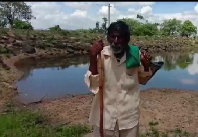 Octogenarian Shepherd from Karnataka Applauded by PM Modi in Mann ki Baat - Sakshi