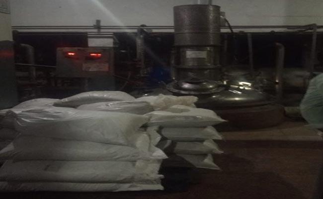 Gas Leak In Vizag Pharma Company  - Sakshi