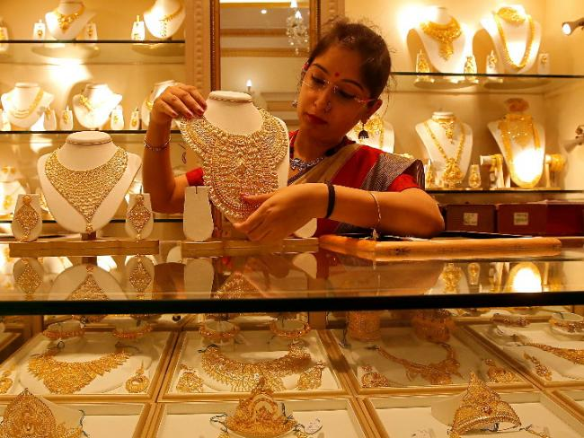Gold prices today remain steady for second day - Sakshi