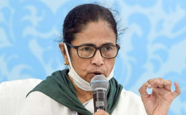Mamata Banerjee Says Aggressive Response Needed Against China - Sakshi