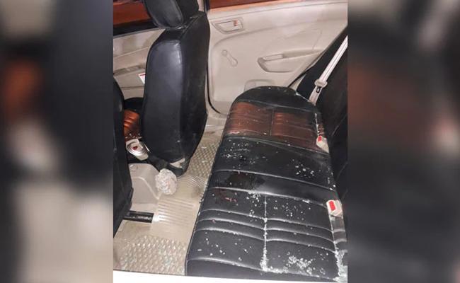 SpiceJet Pilot Robbed At Gunpoint, Left Bleeding Near IIT Delhi - Sakshi