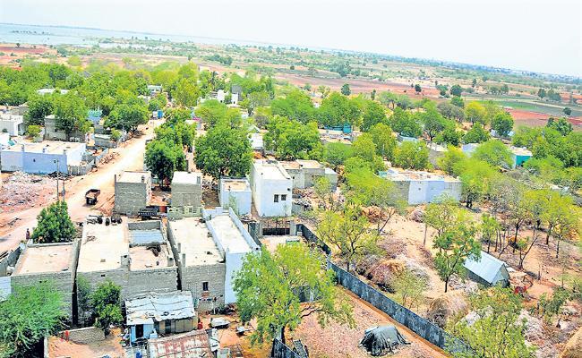 Special Story On Kurnool District Iranbanda Village - Sakshi