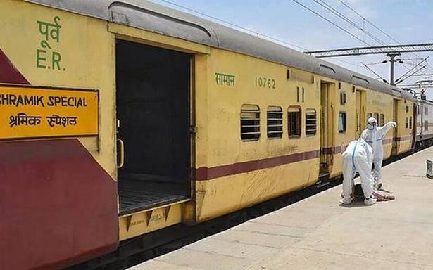 Migrants Pull Chain To Jump Off Shramik Train In Assam - Sakshi